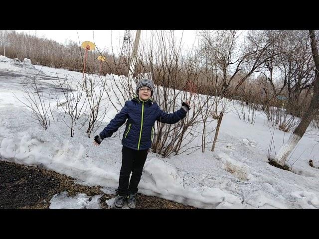 Изображение предпросмотра прочтения – АртёмМиронов читает произведение «Сельская песня» А.Н.Плещеева