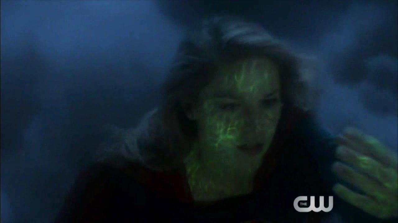 Supergirl 4x02 Ending Supergirls starts to fall while flying
