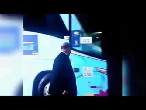 Del Bosque gets on wrong bus after Spain lose to Chile