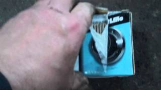 RENAULT CLIO FRONT WHEEL BEARING REMOVAL part 1.