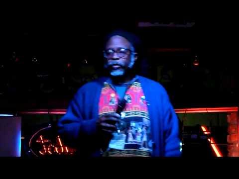 """Kali singing karaoke """"Lowdown"""""""