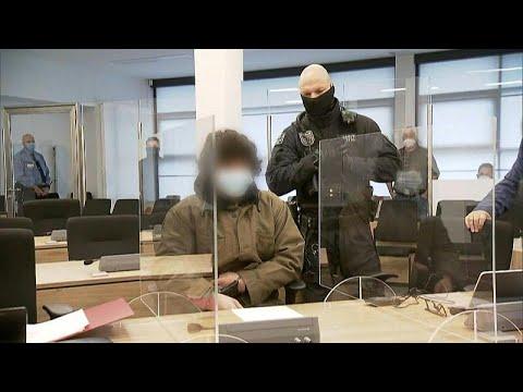 محاكمة سوري طعن سائحين في مدينة درسدن الألمانية لأنه ظنّ أنهما مثليان…  - نشر قبل 31 دقيقة