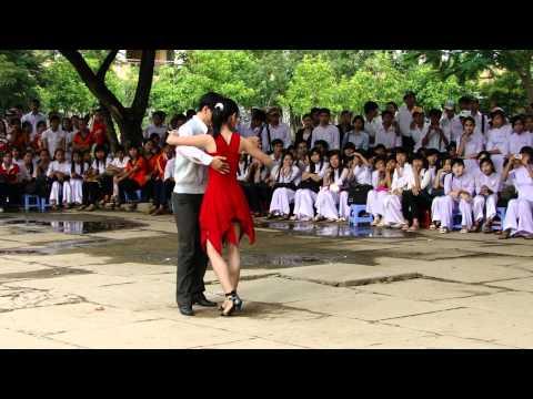[Lớp 10a5 NH:2010-2011]-Lấp Vò 2: Khiêu vũ 1