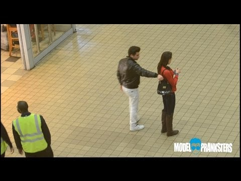 Girl VS Guy Pickpocket Experiment!