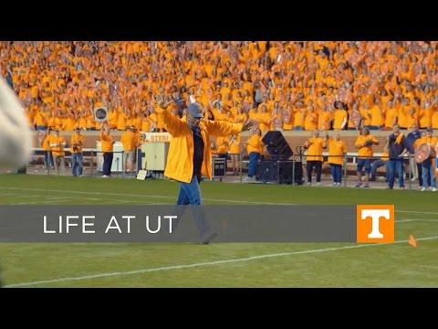 University of Tennessee – Largest Human Letter World Record