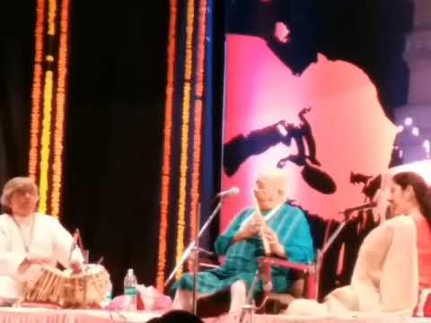 Vaishnav Jan to by Hariprasad Chaurasia on Flute