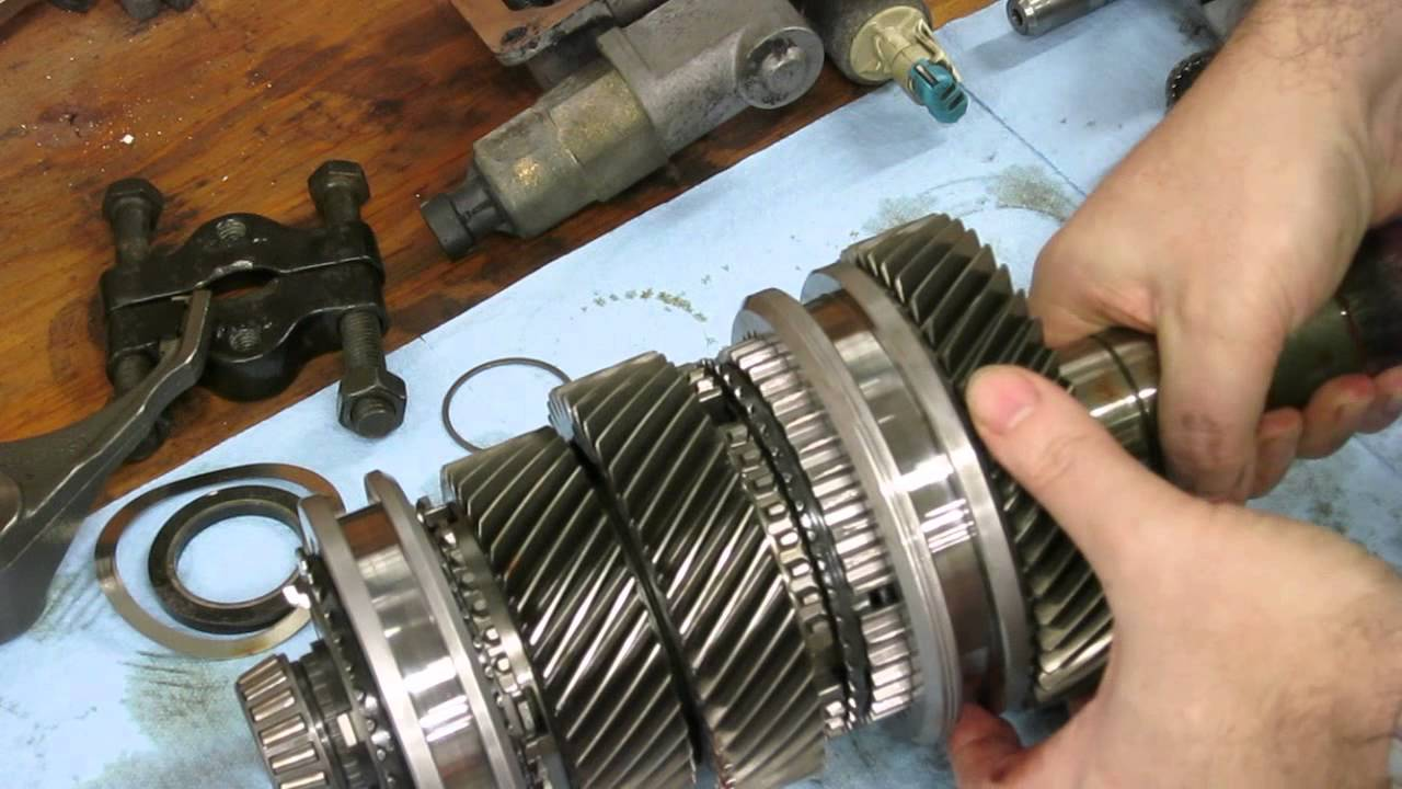 What's inside a Corvette (T56) transmission - YouTube