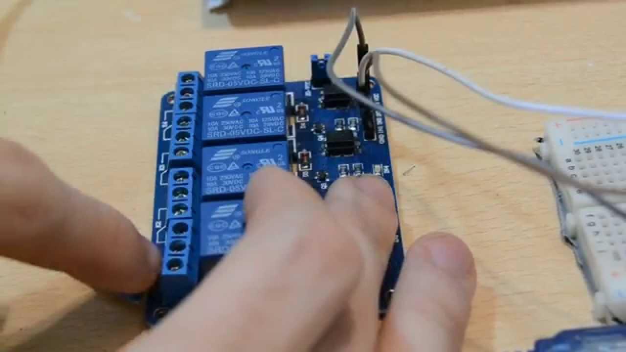 Sensore Per Accendere La Luce.Arduino Ep 42 Attivare Lampada 220v Con Sensore Di Movimento Pir