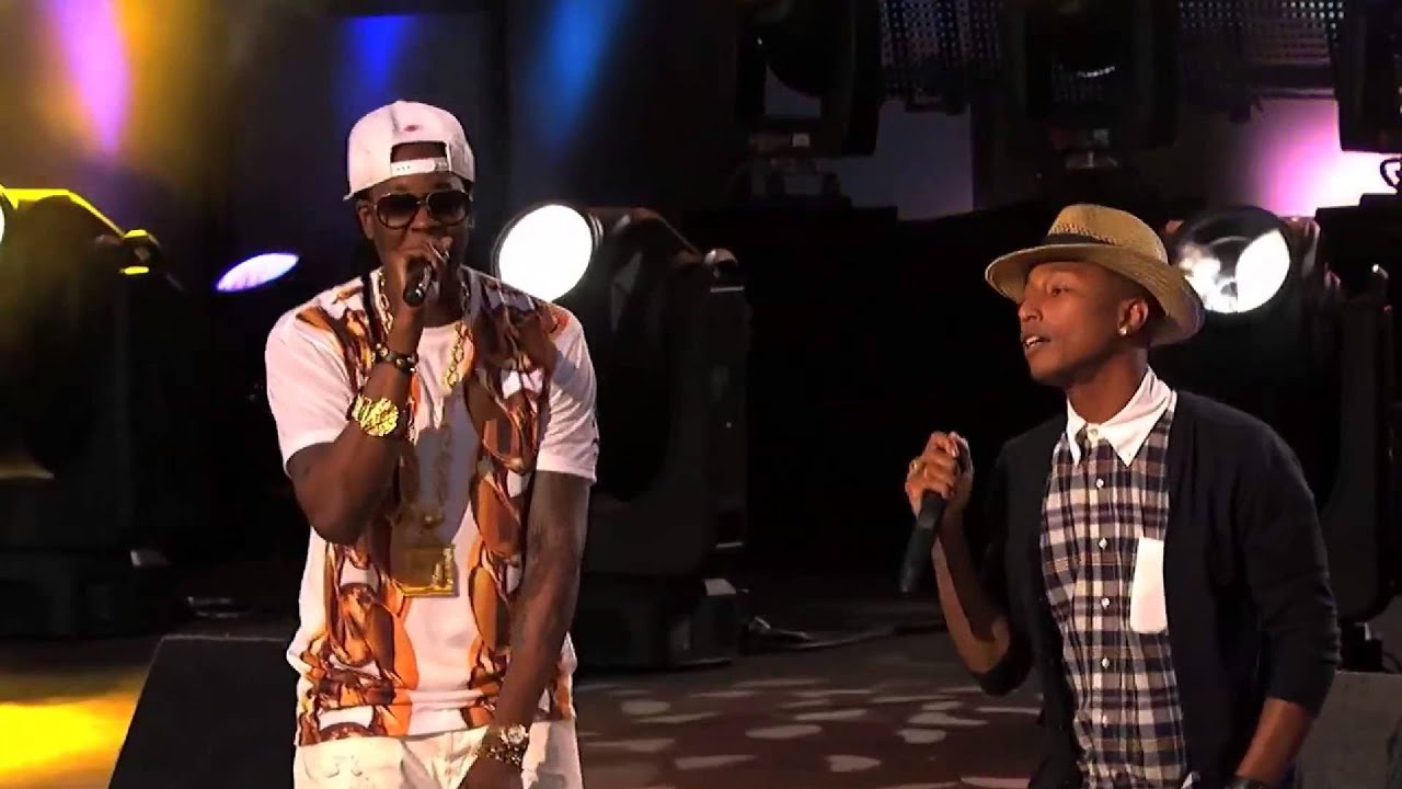 Download 2 Chainz Performs 'Feds Watching' feat. Pharrell Williams