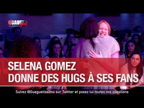 Selena Gomez donne des hugs à ses fans -...