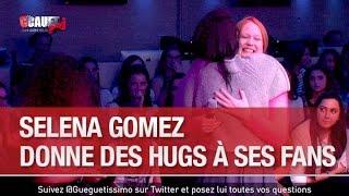 Selena Gomez donne des hugs à ses fans - C'Cauet sur NRJ