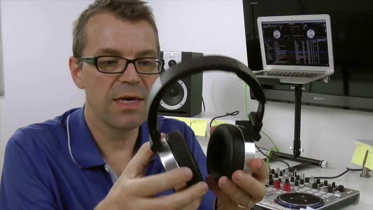 AKG Tiesto K167 DJ Headphones Review