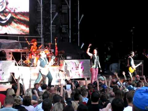 Hinder - Heaven Sent - LIVE - Denver, CO - 08/25/09