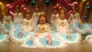 중앙유치원. 재롱잔치~7세 여아 부채춤