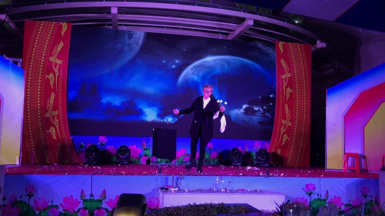 Tiết mục đoạt giải nhất trong cuộc thi Kỳ Tài Thủ Đức  Ảo Thuật Gia Hưng Nguyễn.