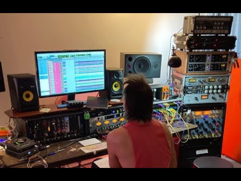 Baroness are now in studio working on new material ..!