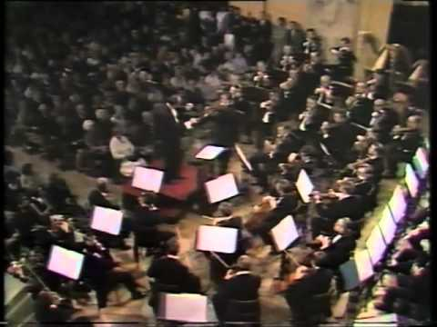 Henryk Szeryng plays Paganini Violin Concerto No. 3 (2nd Mov)
