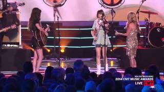 Lee Ann Womack & Kacey Musgrave   Livin' on love CMT Music Awards 2014
