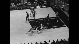 Pete Maravich and Walt Frazier Duel for the First Time | 11.24.1970