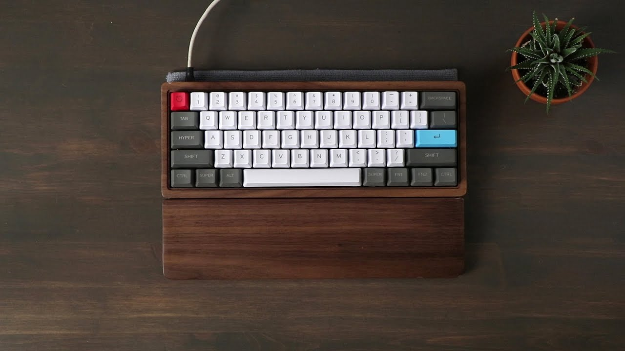 Custom 60% with Wood Case Sound Test - Kailh Box Brown