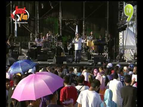 Hot FM Big Jam 2012 - Dataran Syahbandar Kuala Terengganu - Ameer UKAYS