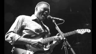 Watch Robert Cray Help Me Forget video