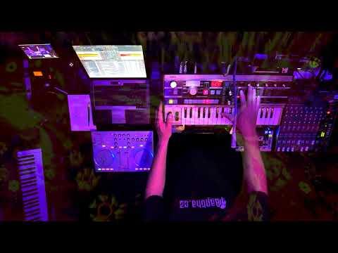 OneHour1702 ° Minimal Techno House DJ SET and Live Korg ° Brendy BanTha ° 08/2020