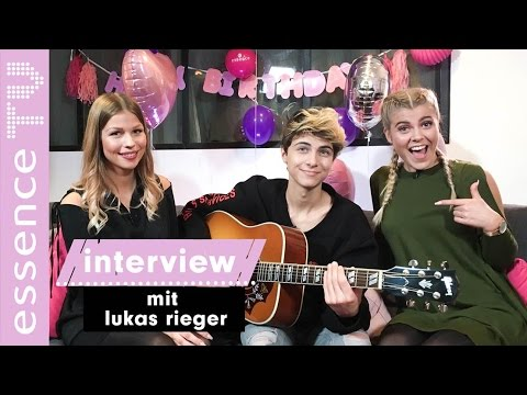 lukas rieger interview - essence geburtstagssong side by side unplugged version I essenceTV
