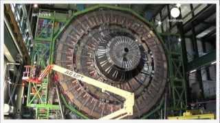 Download Video Comprendre le Boson de Higgs en moins de 3 minutes MP3 3GP MP4