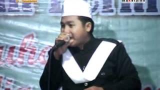 Video SHOLAWAT AL - MAHABBATAIN ASSALAAMUALAIK MAS YANI download MP3, MP4, WEBM, AVI, FLV April 2018