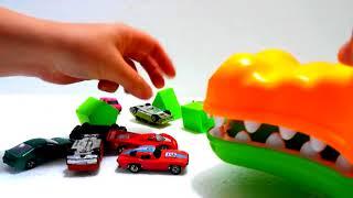 Обучение, играя с различными игрушками - Дети играют в забавные игры