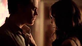 The Vampire Diaries - 5 Temporada×09 -- Beijo de Stefan e Katherine