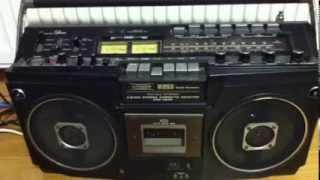 レコードからの録音で、スピーカーからの音を携帯で直接撮ったので相当...