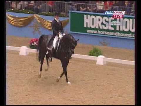 Edward Gal & Moorlands Totilas Kür 92.300% FEI WORLD CUP DRESSAGE 2009 UK London Olympia