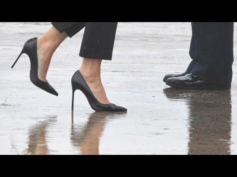 Melania Trump visita áreas devastadas de salto agulha