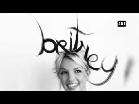 Britney Spears celebrates 20 years in music industry Mp3