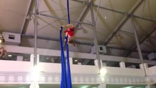 Копия видео Соревнования по воздушной гимнастике: мой номер(, 2015-05-11T22:12:00.000Z)