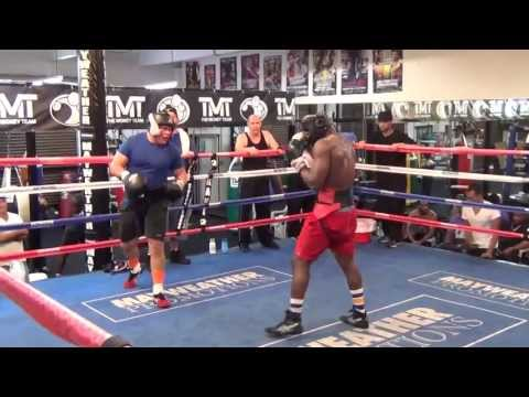 Heavyweights go all out at the Mayweather Boxing Club w/ Floyd Mayweather