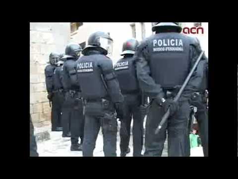 Càrrega dels mossos d'esquadra a la Universitat de Girona (UdG)
