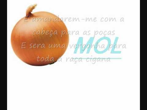 Os Meus Irmões Baterem-me Lyrics.wmv