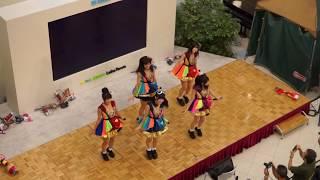 8月15日 越谷レイクタウンで行われたライブ動画です。 手持ち撮影のため...
