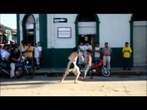 Đánh nhau đường phố rách hết quần :)))