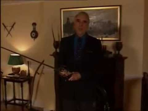 Christopher Lee talks about sword fights and gives a demonstration