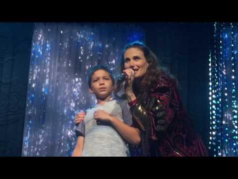 Amazing kid sings Let It Go for the 3rd time on stage WITH Idina