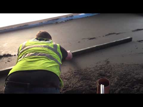 How to install a traditional Screed