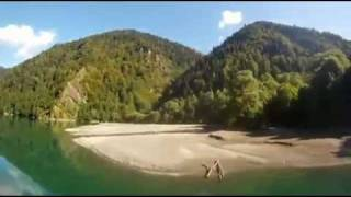 Абхазия - отдых на озере Рица в Абхазии! Восторг впечатлений!(Абхазия во всем великолепии. Полеты на параплане над Абхазией. Вы увидите жемчужину Апсны - Рицу, заповедные..., 2011-12-14T08:46:01.000Z)