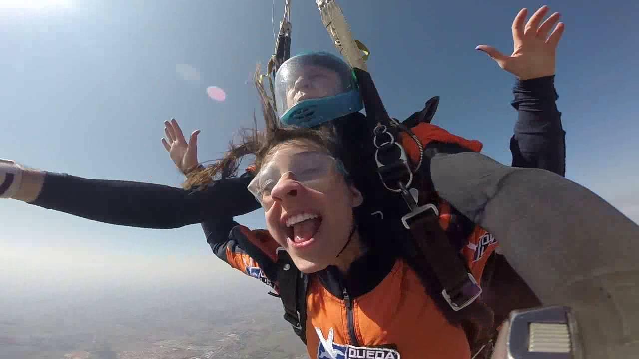 Salto de Paraqueda da Thais C na Queda Livre Paraquedismo 31 07 2016