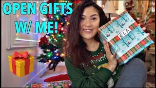 WHAT I GOT FOR CHRISTMAS 2017 (OPENING GIFTS ON CAMERA!)