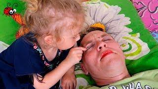 MACHIAJ TATICULUI    Provocare pentru un copil de 3 ani   Melissa Mester Make-Up