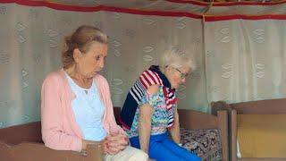 De Mongoolse joerts vallen duidelijk niet bij iedereen in de smaak   De wereld rond met 80-jarigen